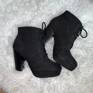 mossimo lace up platform heeled booties